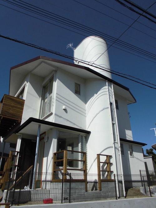 富士山、江ノ島が見える「2つの屋上のある家」