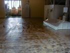 精米工場 無処理コンクリートのまま床を使用しているので不衛生