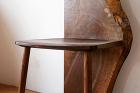 ウォールナットの椅子