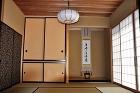 軒の出5尺・京からかみ・造り家具多数の桜... sakuragawanoie/nuritokonoma1.JPG