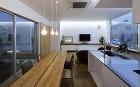 住宅設計 はつが野の家 大阪 金田圭二建... はつが野の家 間接照明のあるリビング
