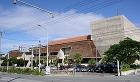 沖縄の建築−Architecture i... http://uratti.web.fc2.com/architecture/kyusyu/nahacityhall4.jpg