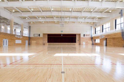 三戸地区小中一貫教育学校屋内体育館 アリーナ