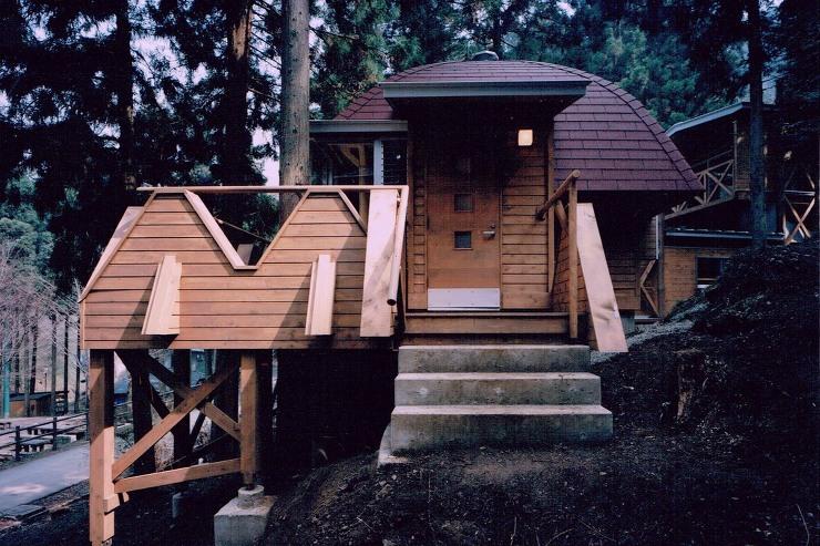 小人の家への入口