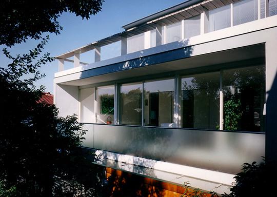 栗の木の家1
