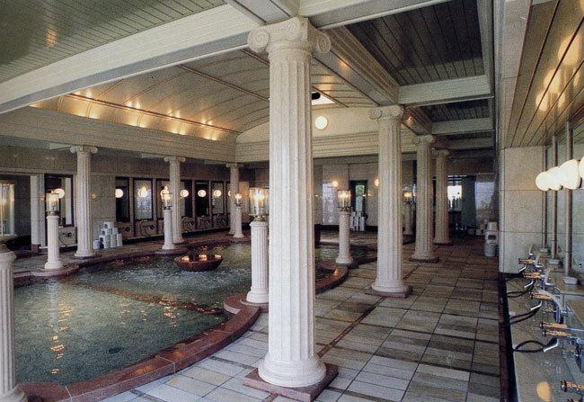 ギリシャ柱   イオニア式  エンタシス (円柱・丸柱) 浴場例