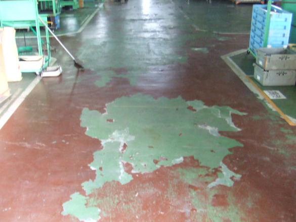 倉庫内の無処理コンクリート 埃の発生あり