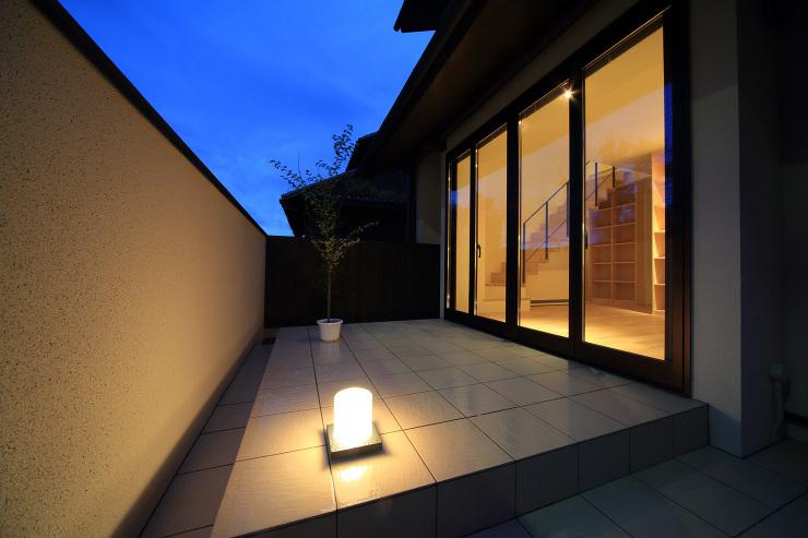 湖風の家 テラス夜景