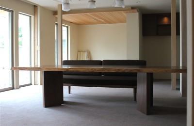 世田谷区Y邸 耳付きダイニングテーブル