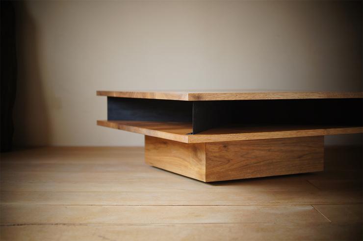 クルミと鉄のローテーブル