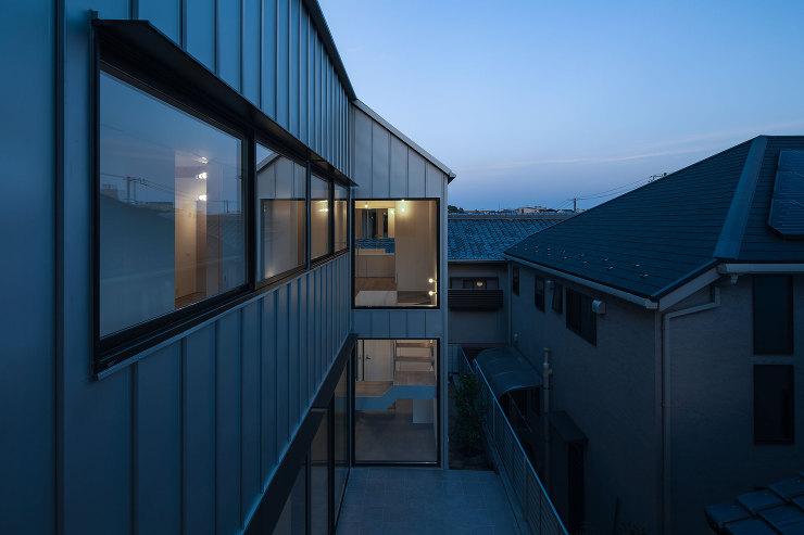 夕景|千里山西の家|北摂のデザイン住宅 設計|建築家 奥和田健