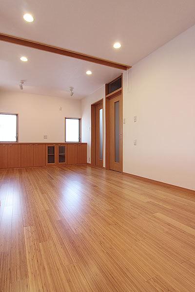 広々としたリビング?ダイニングの空間:注文住宅の設計|大阪の建築家・設計事務所