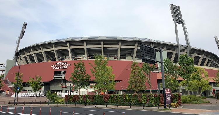 MAZDA Zoom-Zoom スタジアム広島 | 日本建築めぐり |...