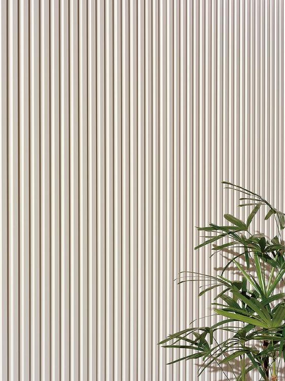 「ガルバ鋼板」と断熱材を組み合わせた外壁材   日経 xTECH(クロ...