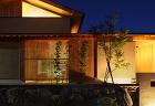 縁の家,軒格子など日本的な陰影のある家,...