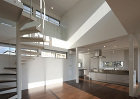 螺旋階段と光が特徴の知多の家