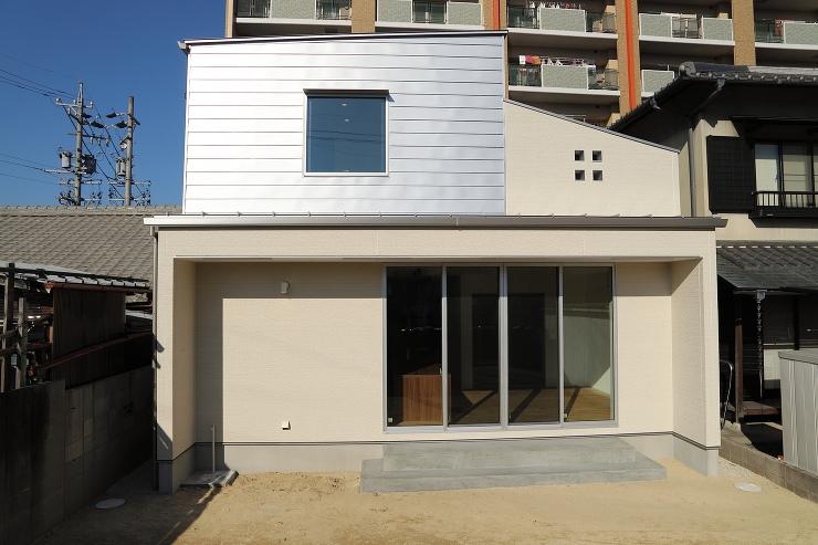 住宅作品:中庭のある家の外観
