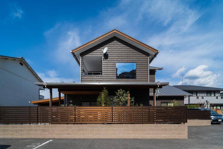 八幡の家、ストーブのある家です。